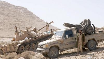 """الجيش يسيطر على سلسلة جبلية بـ""""نهم"""" وطيران التحالف يدمر آليات للميليشيات في صرواح"""