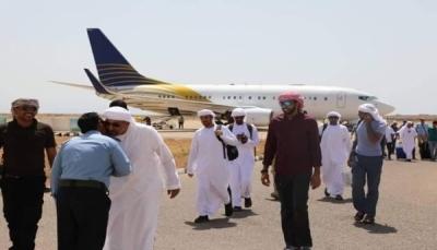الإمارات تستقدم عمالة أجنبية إلى سقطرى بصورة غير رسمية