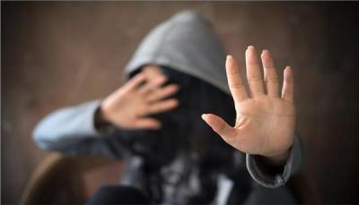 اعتقال شاب مصري بتهمة الاعتداء جنسياً على 100 فتاة