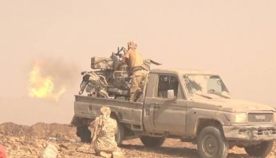 """قُتل 100 من الحوثيين خلال أسبوع.. قوات الجيش تخوض معارك عنيفة في """"جبهة نهم"""""""