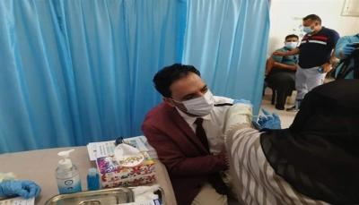 تأجيل حملة التطعيم ضد كورونا في تعز لأسباب مالية
