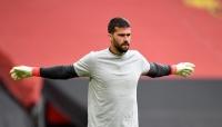 ليفربول يمدد عقد حارسه أليسون ستة أعوام